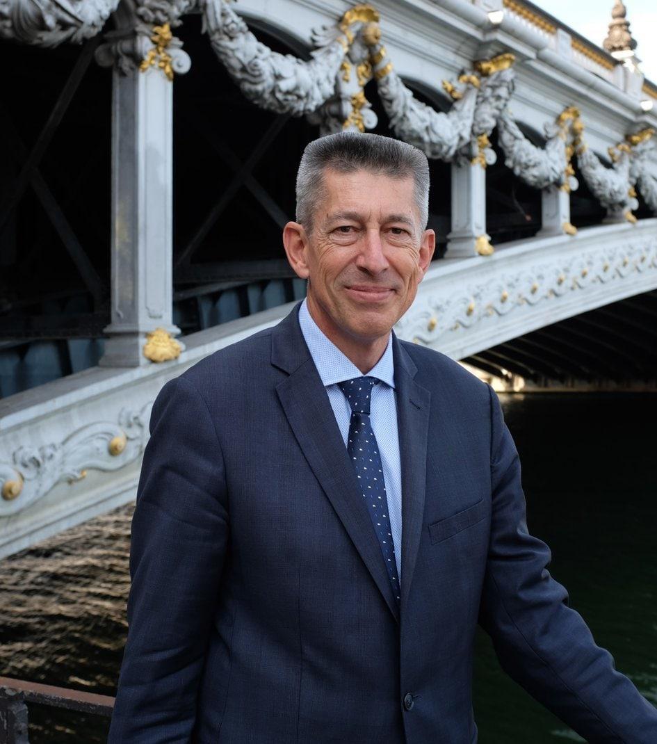Посол Франции Николя де Лакост попрощался с беларусами на их родном языке